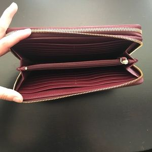 Tory Burch Bags - Tory Burch Burgundy Clutch